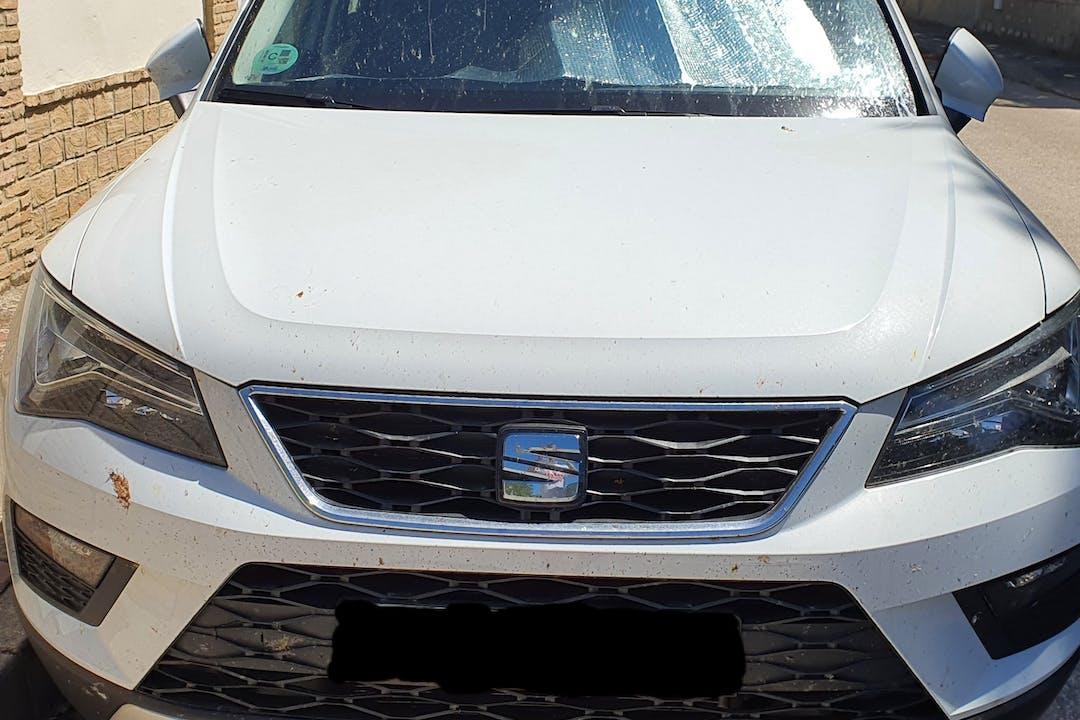 Alquiler barato de Seat Ateca con equipamiento GPS cerca de 28850 Torrejón de Ardoz.