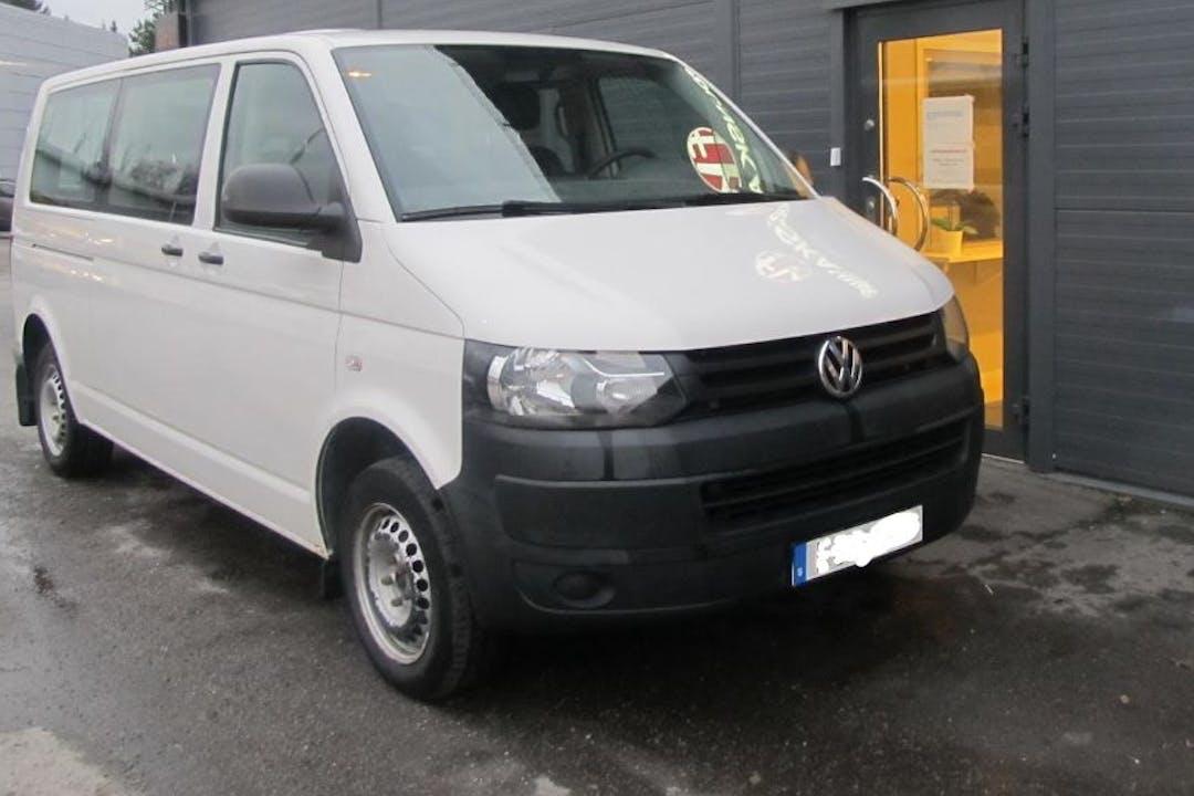 Billig biluthyrning av Volkswagen Caravelle med Bluetooth i närheten av 126 35 Hägersten-Liljeholmen.