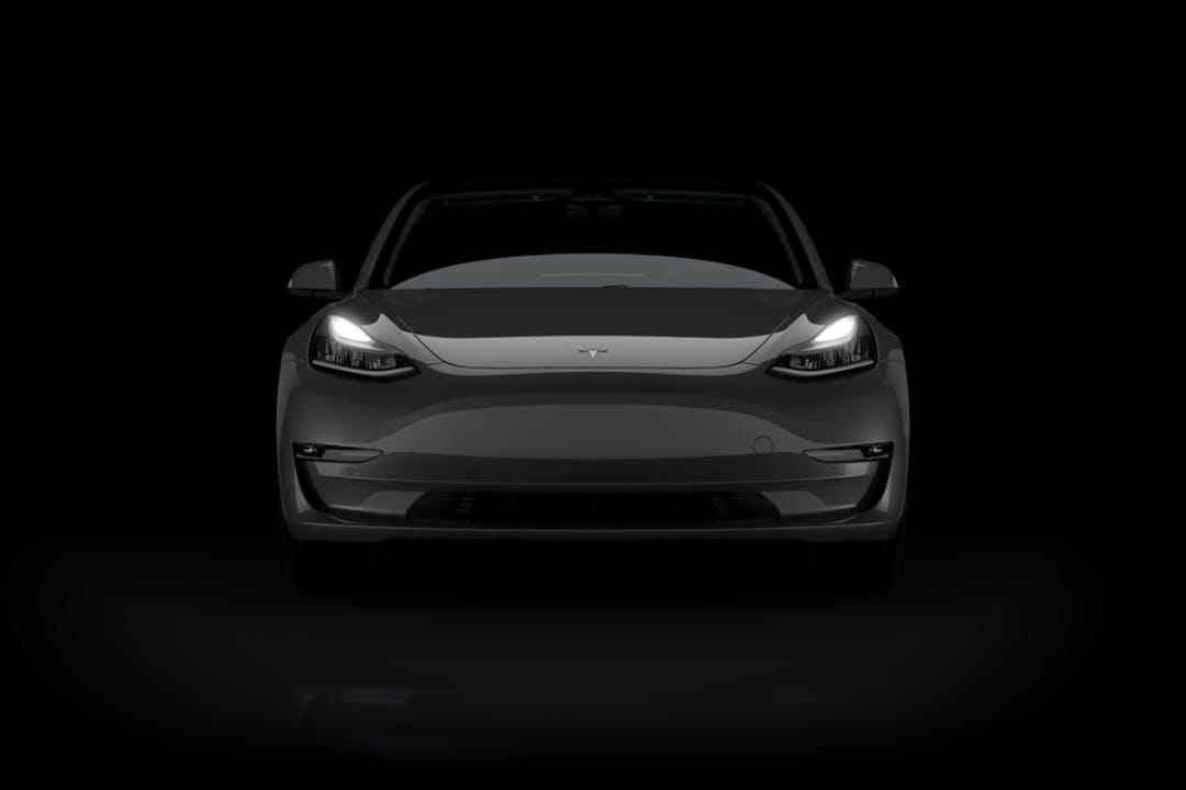 Billig biluthyrning av Tesla Model 3 med GPS i närheten av 252 46 .