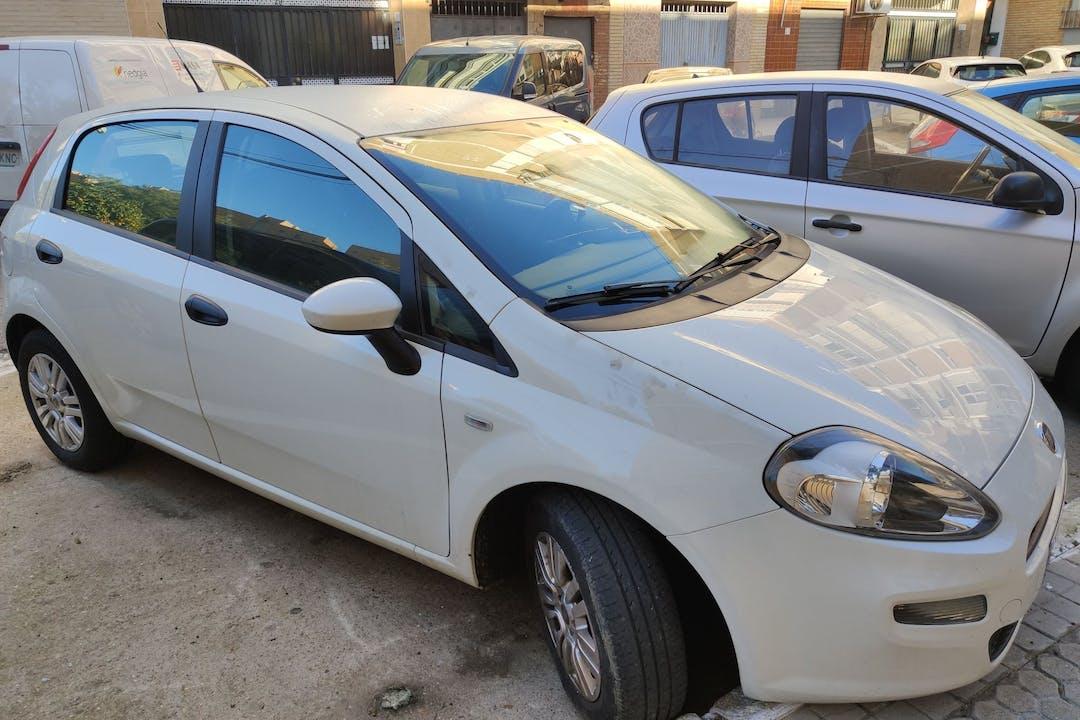 Alquiler barato de Fiat Punto cerca de 41013 Sevilla.
