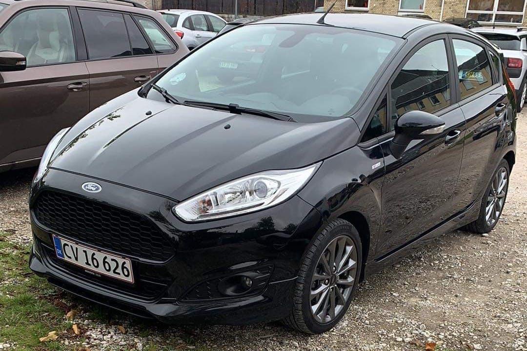 Billig billeje af Ford Fiesta nær 3450 Lillerød.
