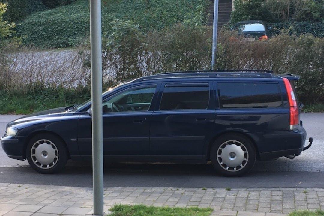 Billig billeje af Volvo V70 med Anhængertræk nær 8220 Brabrand.