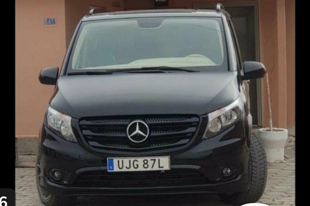 Billig biluthyrning av Mercedes Vito med GPS i närheten av 111 34 Norrmalm.