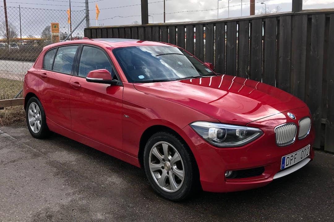 Billig biluthyrning av BMW 1 Series med GPS i närheten av 754 48 Årsta.
