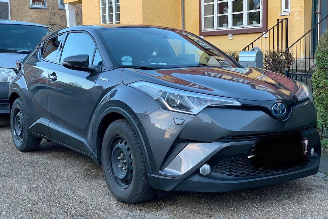 Billig billeje af Toyota C-HR med Isofix beslag nær 5000 Odense.