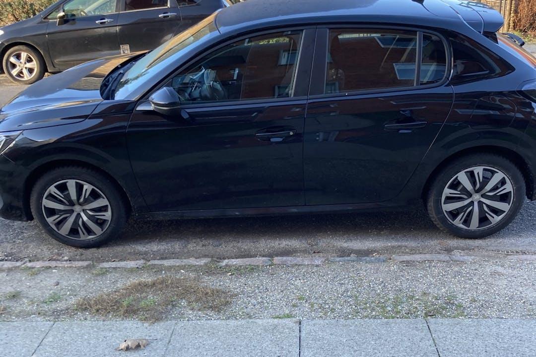 Billig billeje af Peugeot 208 med Isofix beslag nær 2700 København.