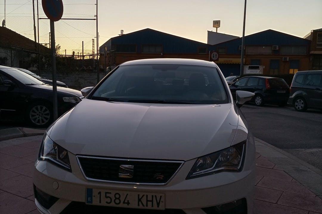 Alquiler barato de Seat Leon con equipamiento Fijaciones Isofix cerca de 28850 Torrejón de Ardoz.