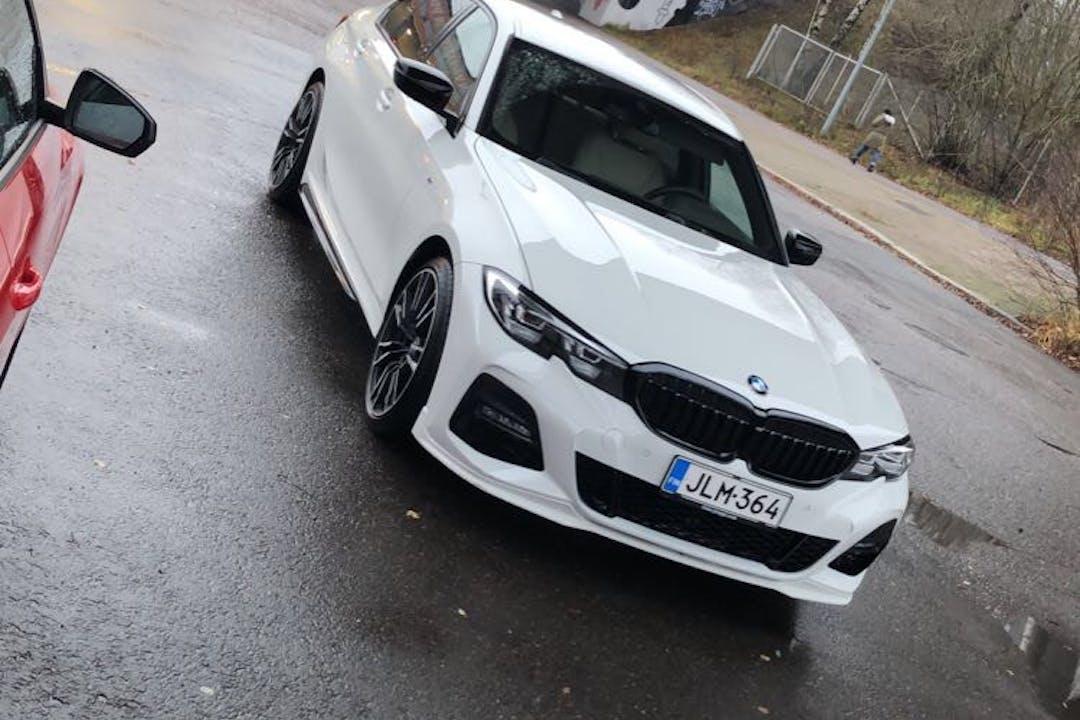 BMW 3 Seriesn halpa vuokraus GPSn kanssa lähellä 00940 Helsingfors.