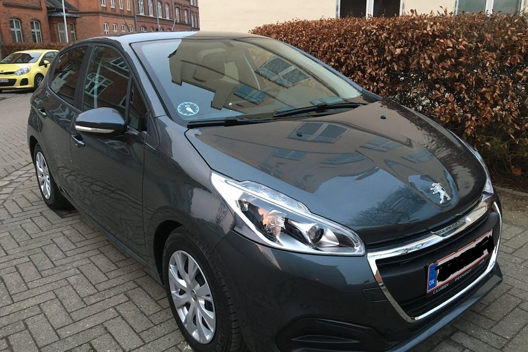 Billig billeje af Peugeot 208 nær 5000 Odense.