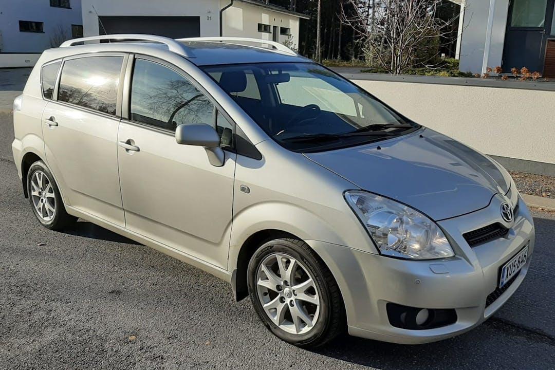 Toyota Verson halpa vuokraus Vetokoukkun kanssa lähellä 20100 Turku.