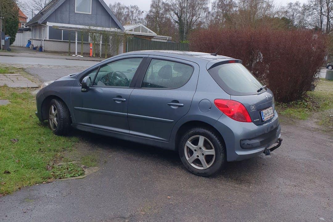 Billig billeje af Peugeot 207 med Isofix beslag nær 2500 København.