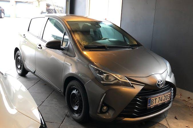 Billig billeje af Toyota Yaris med Isofix beslag nær 6630 Rødding.