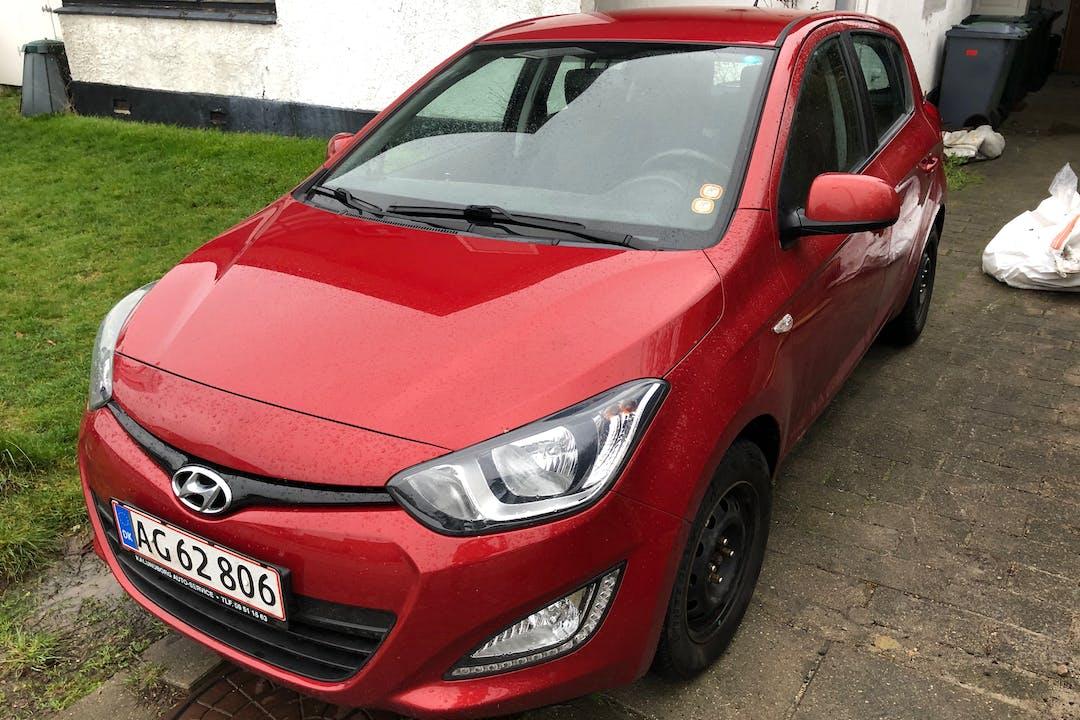 Billig billeje af Hyundai i20 med Isofix beslag nær 2730 Herlev.