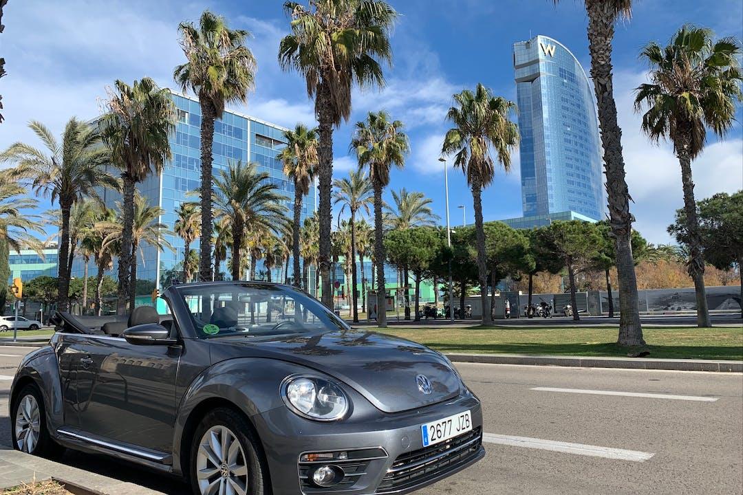 Alquiler barato de Volkswagen Beetle cerca de  Barcelona.