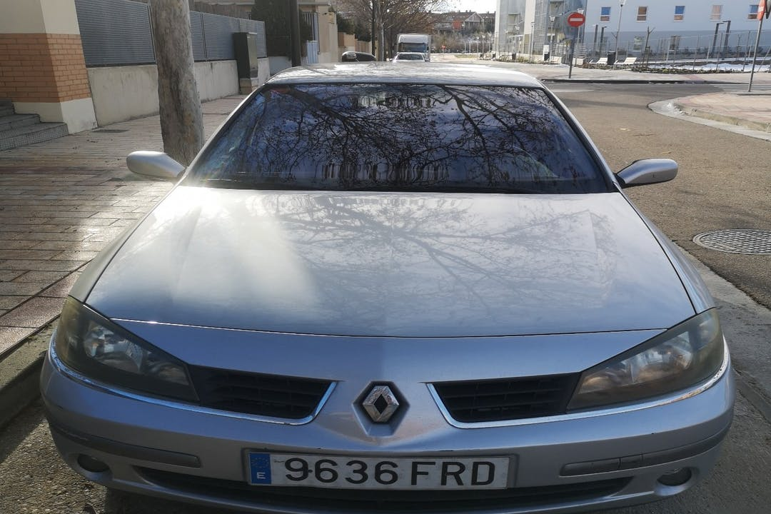 Alquiler barato de Renault Laguna cerca de 50006 Zaragoza.