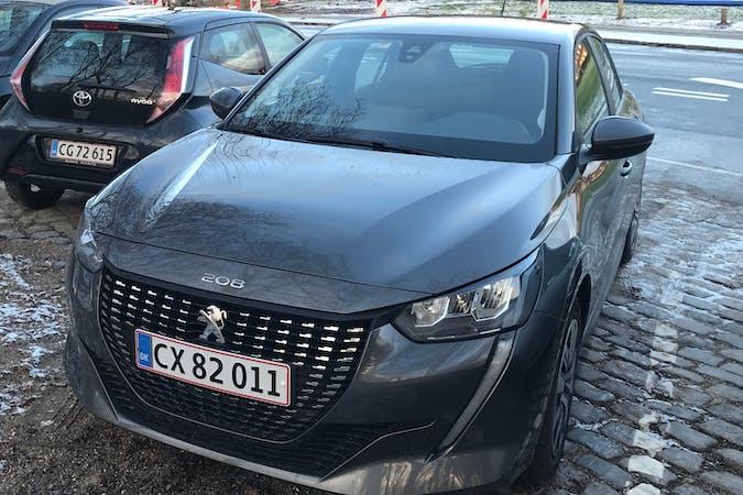 Billig billeje af Peugeot 208 med GPS nær 2800 Kongens Lyngby.