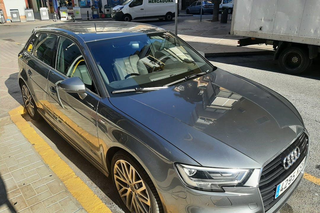 Alquiler barato de Audi A3 Sportback con equipamiento Fijaciones Isofix cerca de 29620 Torremolinos.