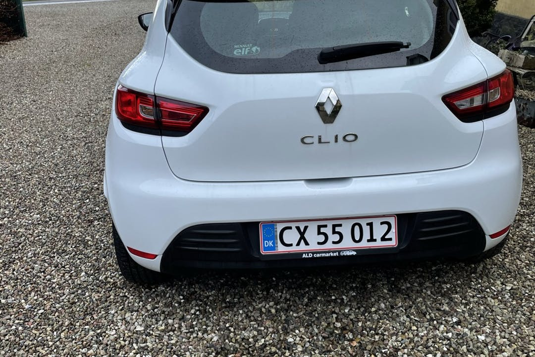 Billig billeje af Renault Clio nær 3400 Hillerød.
