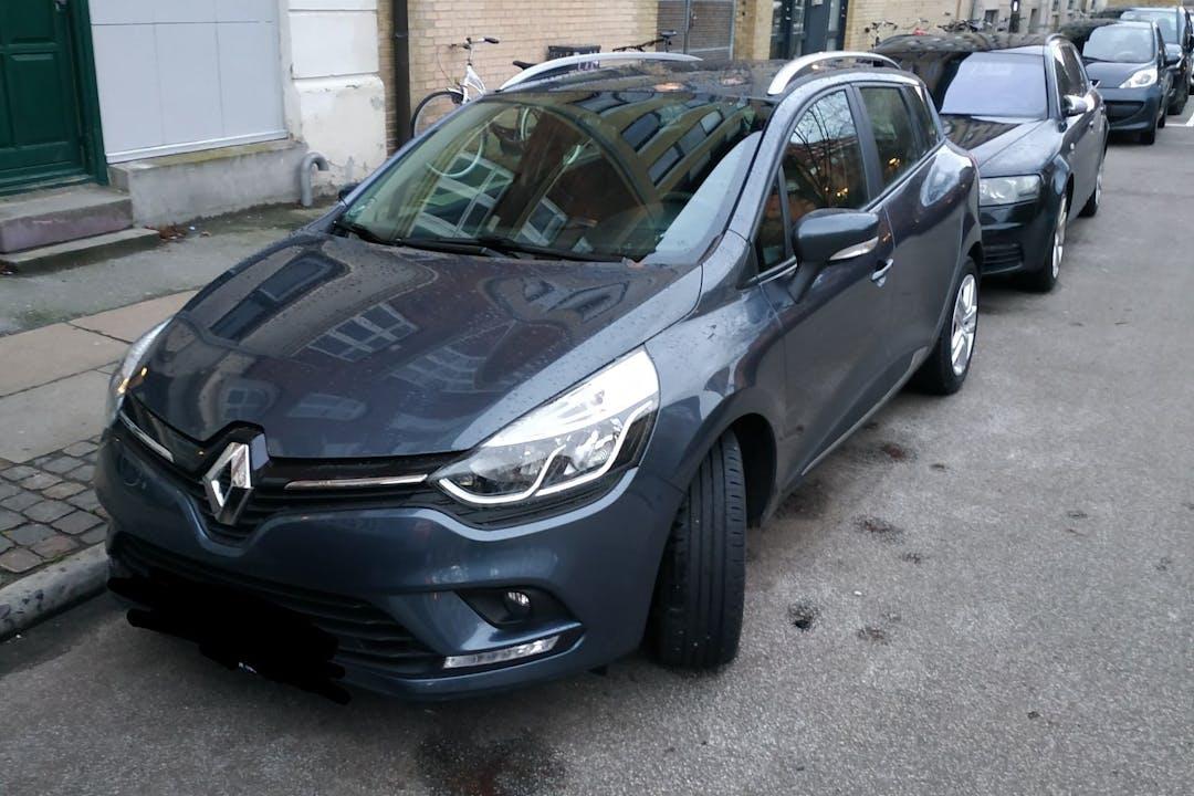 Billig billeje af Renault Clio SW nær 2100 København.