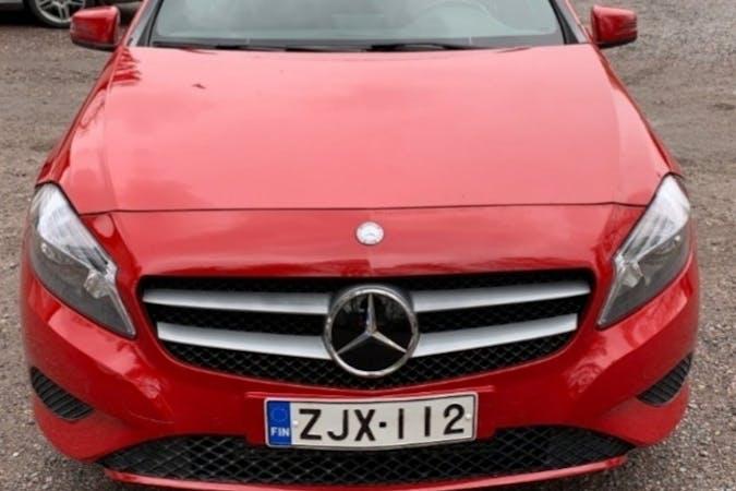 Mercedes A-Classn halpa vuokraus Bluetoothn kanssa lähellä 00430 Helsinki.