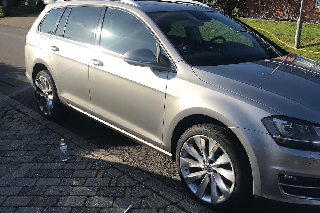 Billig billeje af Volkswagen Golf med GPS nær 8240 Risskov.