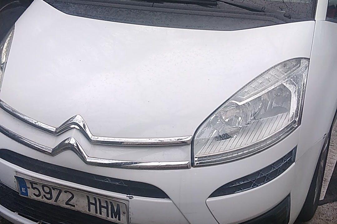 Alquiler barato de Citroën C4 Picasso cerca de 20600 Eibar.
