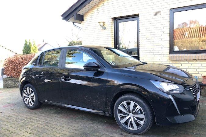 Billig billeje af Peugeot 208 med GPS nær 8660 Skanderborg.