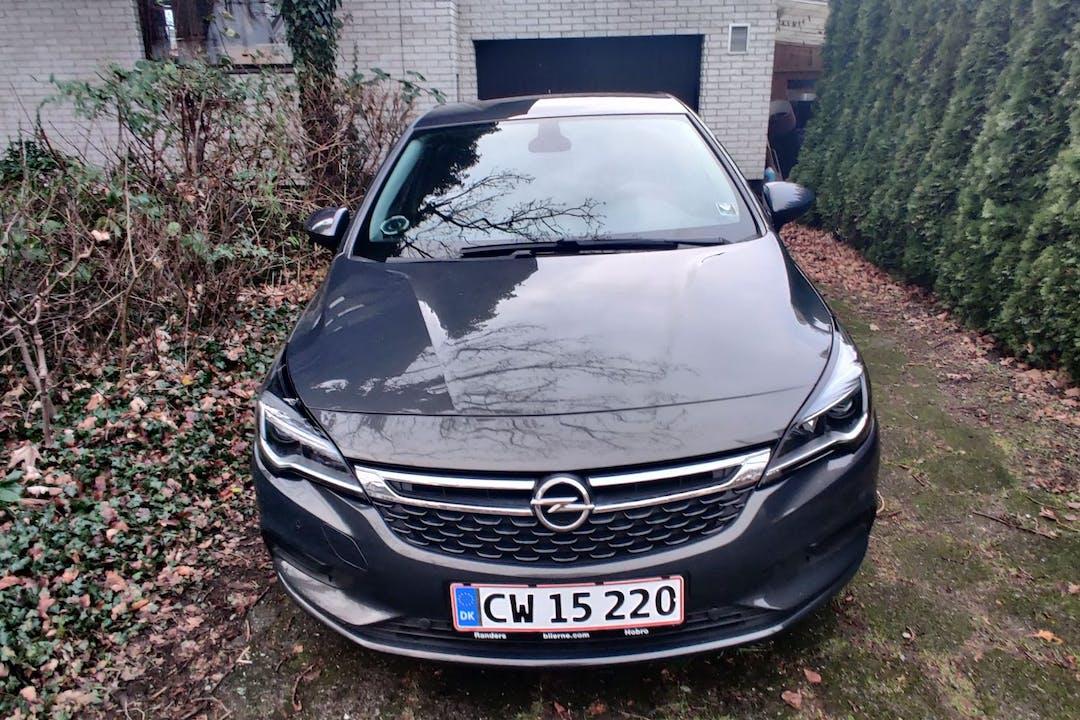 Billig billeje af Opel Astra med GPS nær 8230 Aarhus.