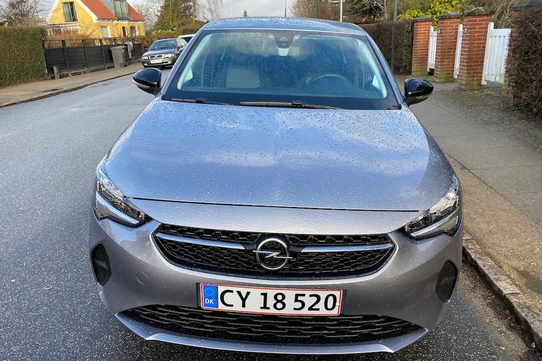 Billig billeje af Opel Corsa med Isofix beslag nær 2700 København.