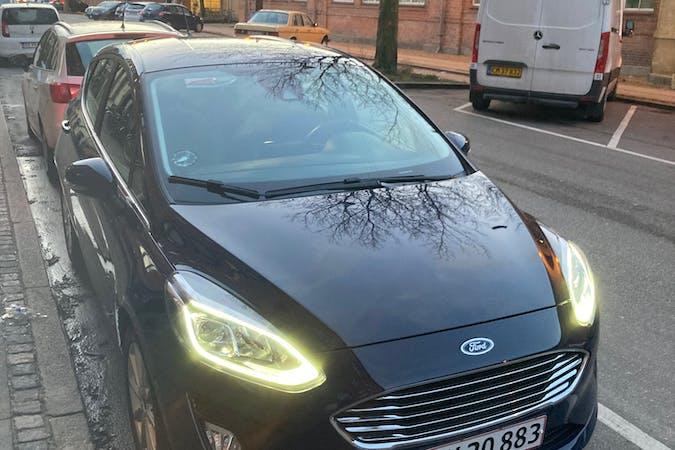 Billig billeje af Ford Fiesta med GPS nær 2200 København.