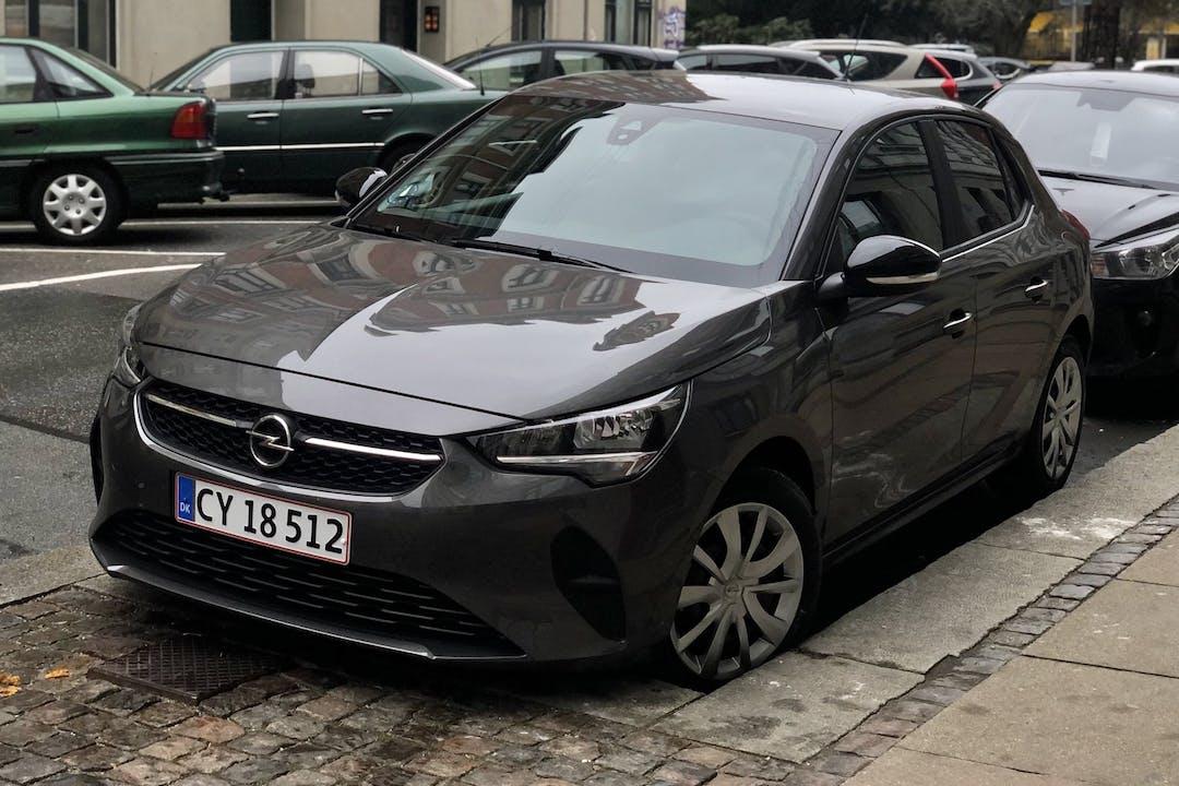Billig billeje af Opel Corsa med GPS nær  København.