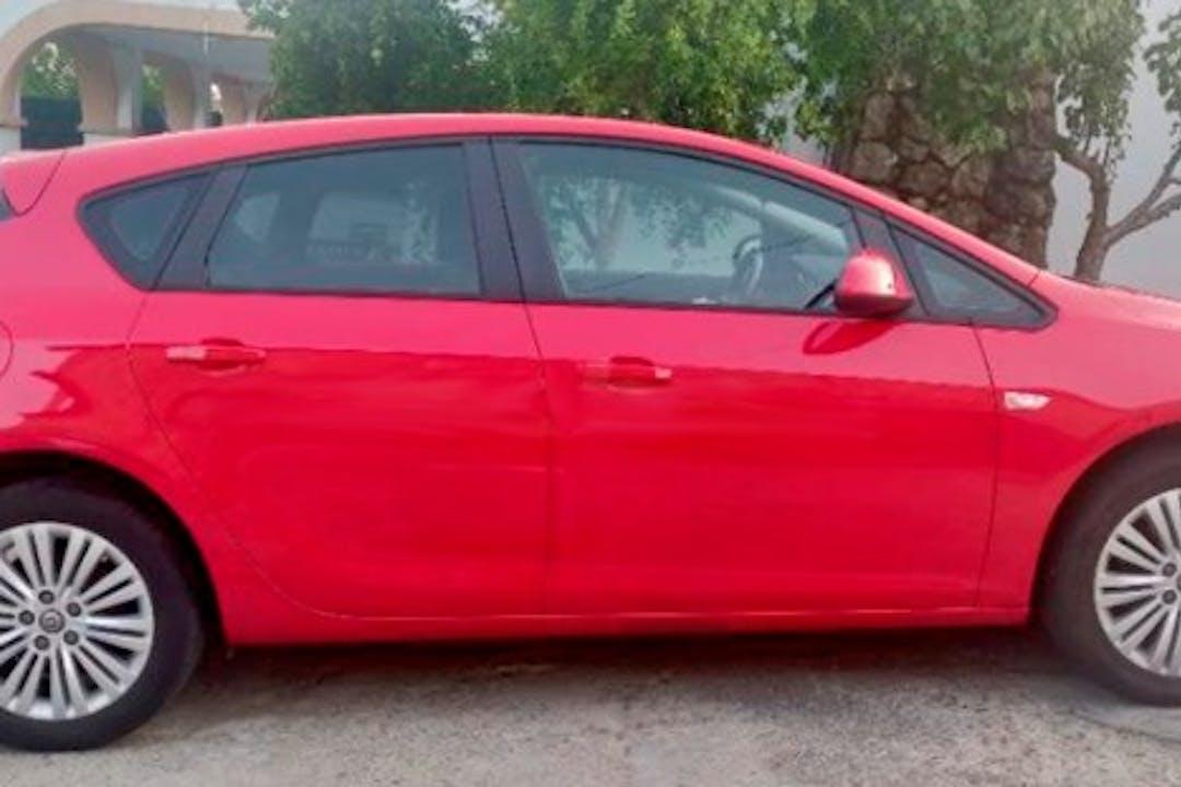 Alquiler barato de Opel Astra cerca de 38660 Arona.