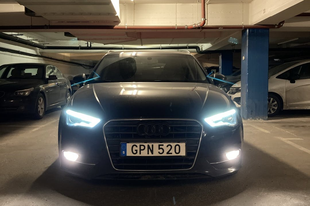Billig biluthyrning av Audi A3 Sportback med GPS i närheten av 118 51 Södermalm.
