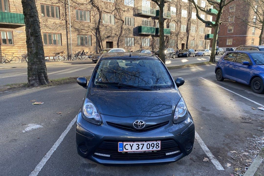 Billig billeje af Toyota AYGO med Isofix beslag nær 2100 København.
