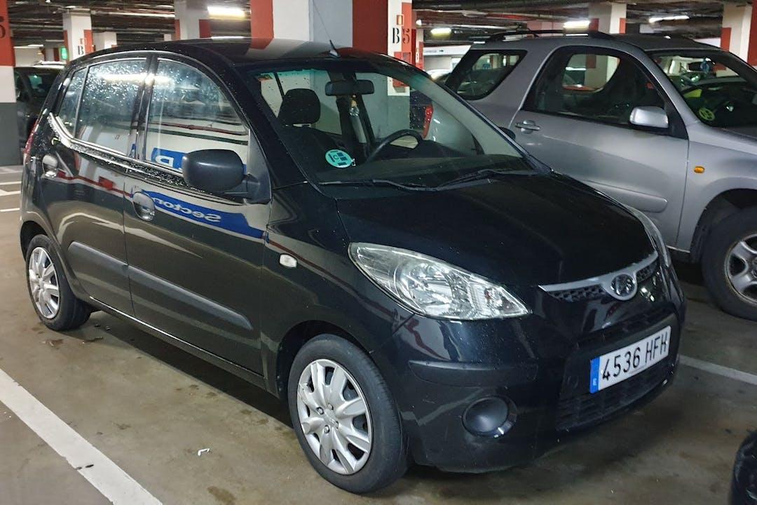 Alquiler barato de Hyundai i10 con equipamiento Bluetooth cerca de 28017 Madrid.
