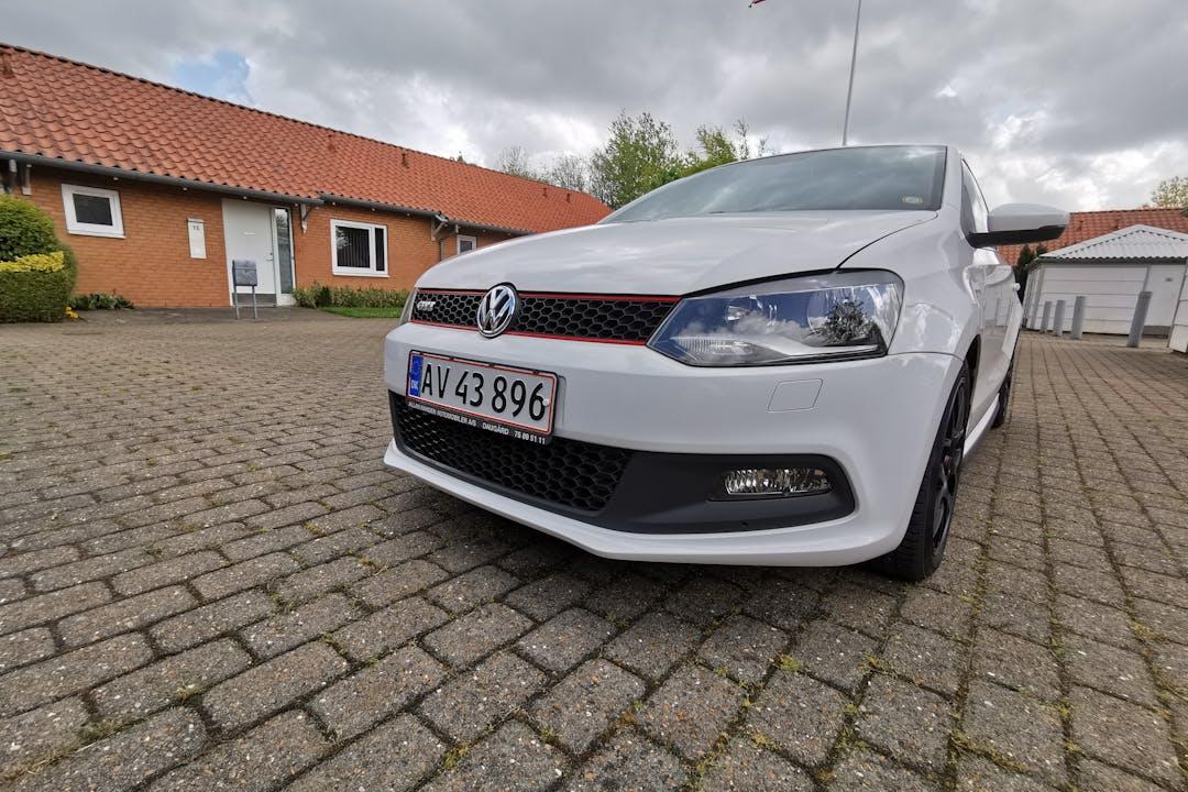 Billig billeje af Volkswagen Polo nær 7100 Vejle.