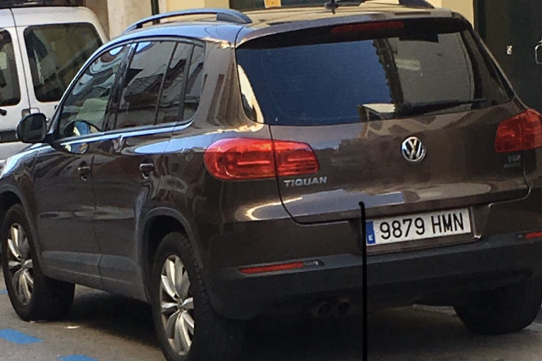 Alquiler barato de Volkswagen Tiguan con equipamiento Fijaciones Isofix cerca de 07750 Serpentona.