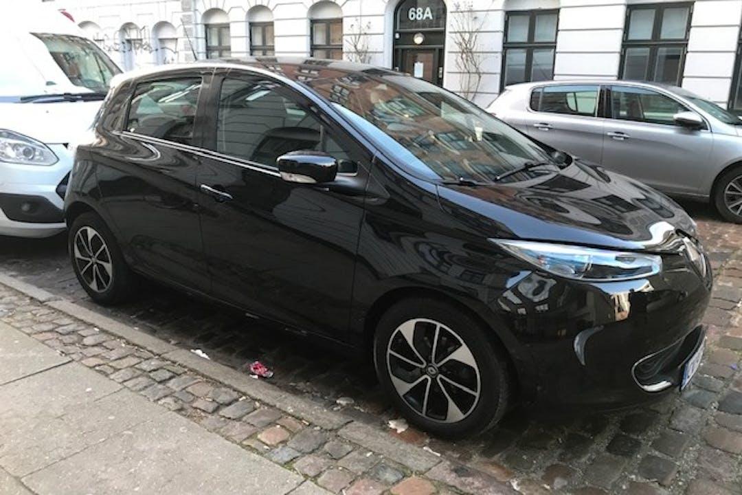 Billig billeje af Renault Zoe med GPS nær 2200 København.