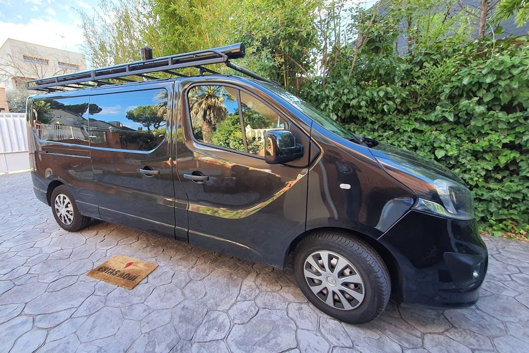 Alquiler barato de Opel VIVARO cerca de 28660 Boadilla del Monte.