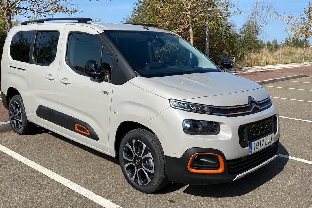 Alquiler barato de Citroën Berlingo con equipamiento GPS cerca de 24009 León.