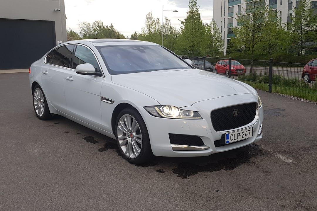 Jaguar XFn halpa vuokraus GPSn kanssa lähellä 02780 Espoo.