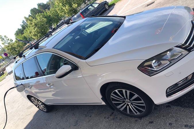 Billig biluthyrning av Volkswagen Passat med Dragkrok i närheten av 195 30 Märsta Norra.