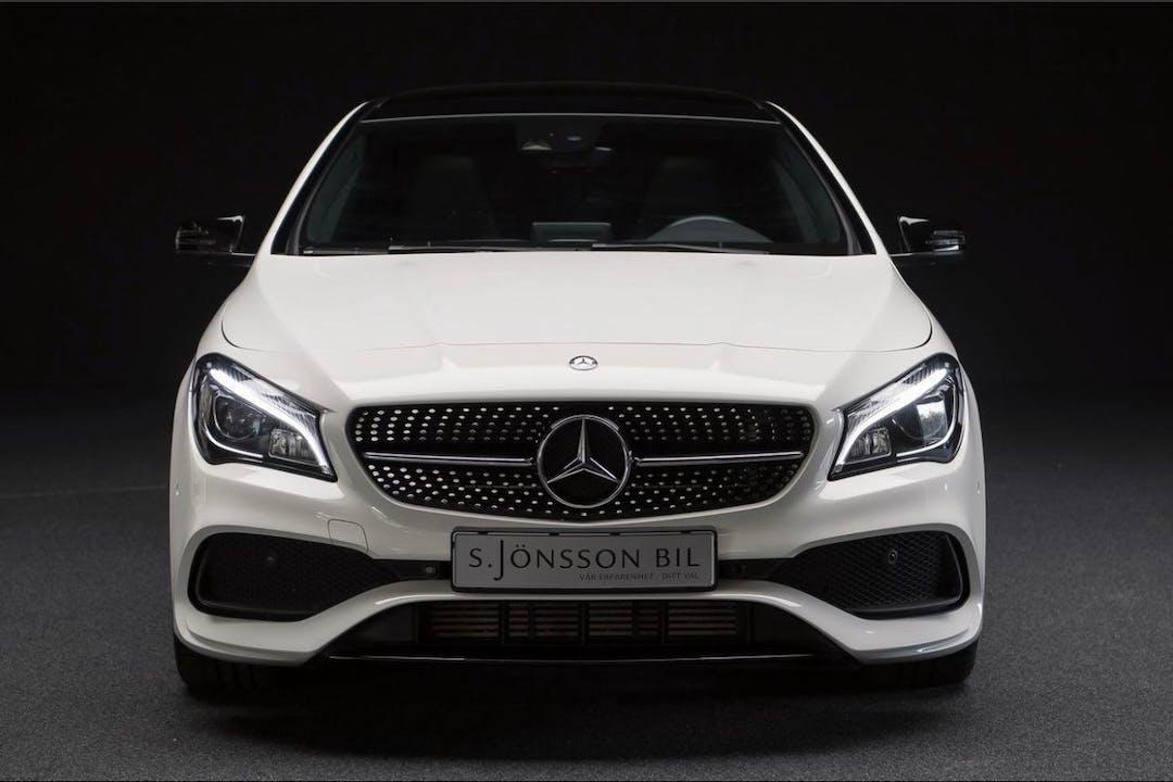 Billig biluthyrning av Mercedes CLA Coupe med Bluetooth i närheten av 702 18 Nikolai.