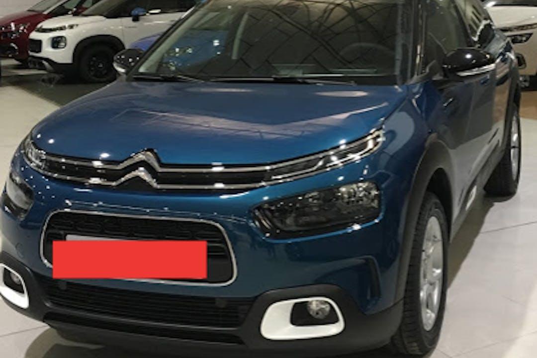Alquiler barato de Citroën C4 Cactus con equipamiento Bluetooth cerca de 28047 Madrid.