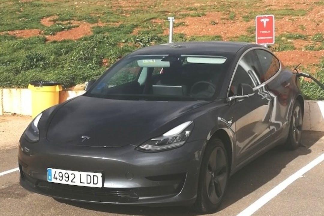 Alquiler barato de Tesla Model 3 cerca de 28523 Rivas-Vaciamadrid.