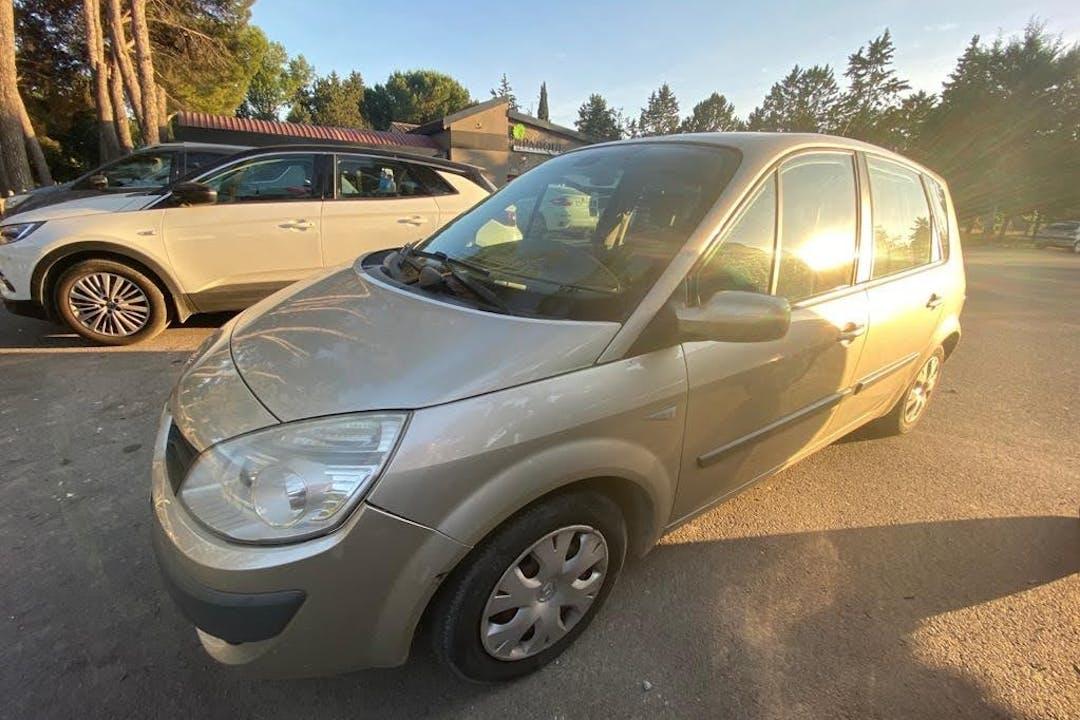 Alquiler barato de Renault Scenic con equipamiento Bluetooth cerca de 22400 Monzón.
