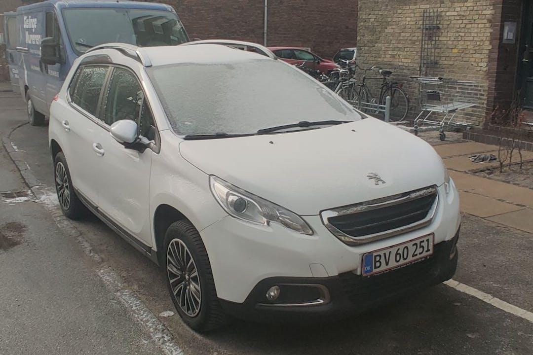 Billig billeje af Peugeot 2008 med Isofix beslag nær 2450 København.