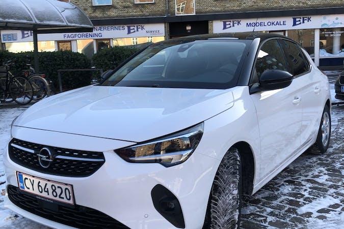 Billig billeje af Opel Corsa med GPS nær 2720 København.
