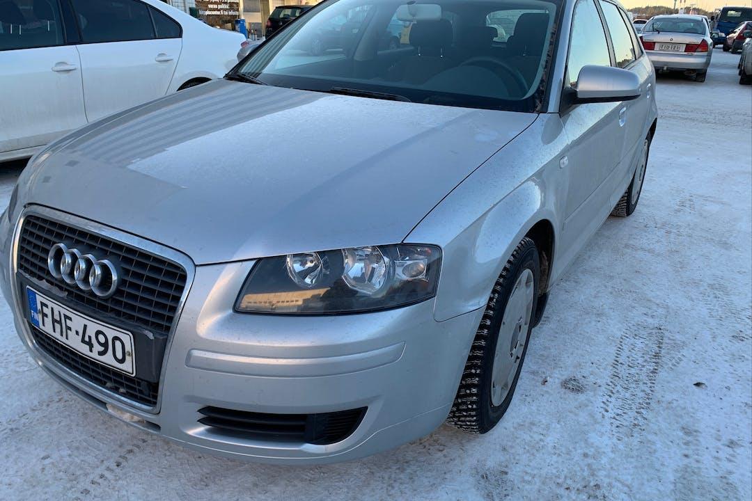 Audi A3n halpa vuokraus Ilmastointin kanssa lähellä  Turku.