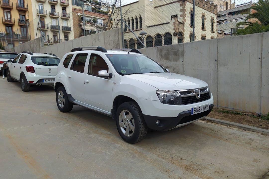 Alquiler barato de Dacia Duster cerca de  Barcelona.